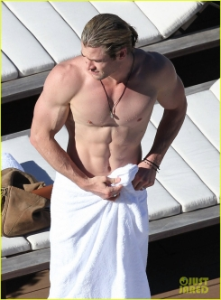 Chris_Hemsworth1