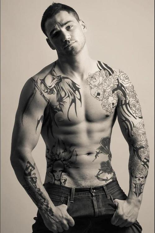 Tattoo_model_101