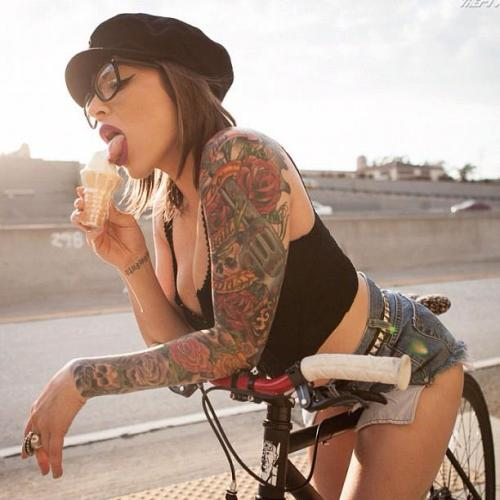 tatuaje brazo mujer