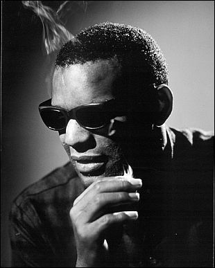 ray charles smoking Peliculas Biograficas vs Mundo Real (parte 2)