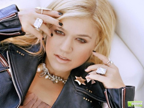 kelly_clarkson_1024x768(2)