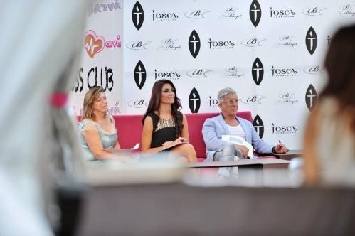 Carmen Asins, Cristina Martínez (Miss Tierra 2013) y Valentín Herraiz, entre los miembros del jurado
