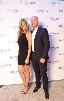 Neus Mira Miss C. de Valencia 2013 junto a Franck De Weerdt, director general de The Westin Hotel en Valencia