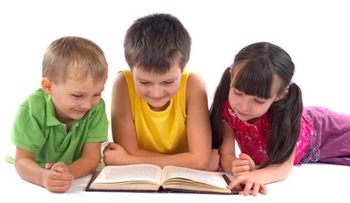 La conselleria de Educación, Cultura y Deporte ha resuelto conceder un total de 1.714.851 euros a la adquisición de libros de texto y material didáctico