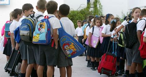 niños al colegio