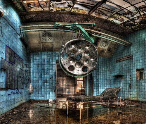 lugares terrorificos Abandoned Military Hospital in Beelitz, Germany (2)