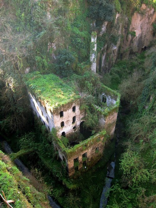lugares terrorificos Molino Abandonado, Italia