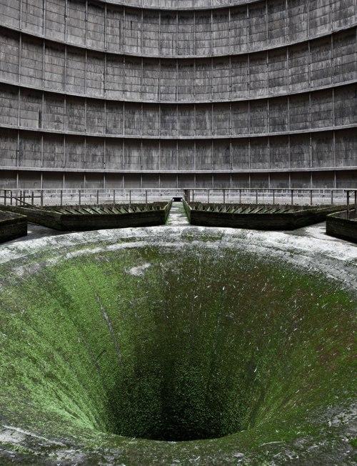 lugares terrorificos Planta de energía abandonada. Bélgica.